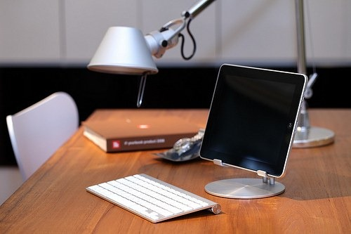 New Just Mobile Upstand For Ipad Looks Good Ipad Insight