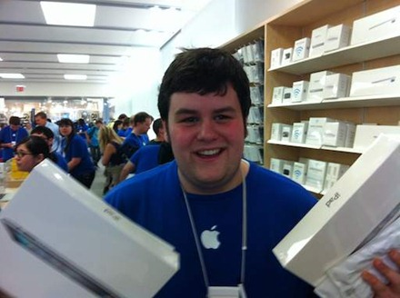 iPad 2 Launch Day in Austin