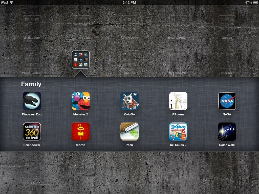 how to create a folder on ipad for apps