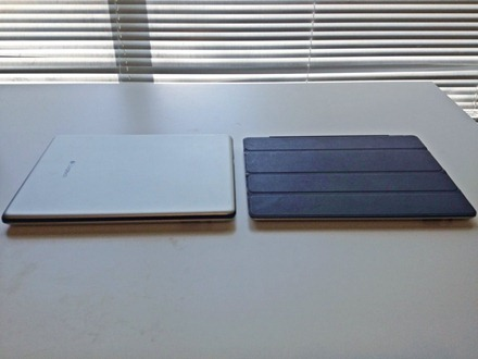 Logitech Ultrathin and smart cover side by side