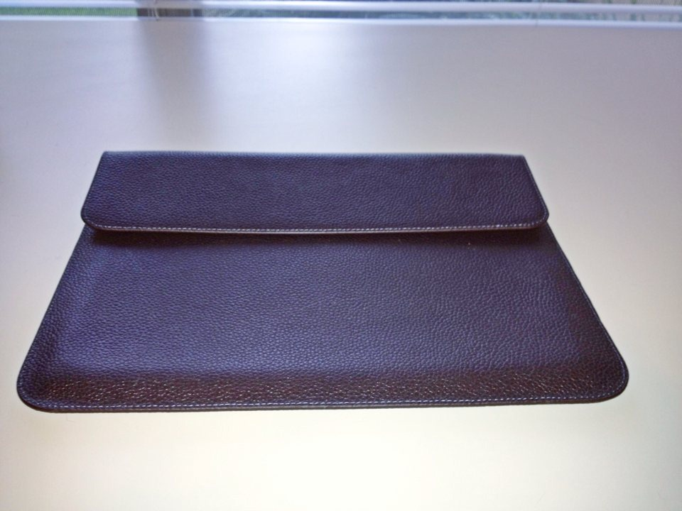 SGP-Sleeve-for-iPad-3-flat.jpg