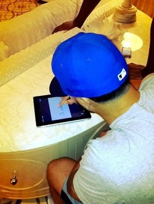 Deron Williams iPad Contract Signing