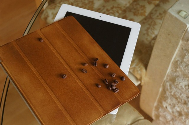 Cool Things: Coffee-Colored iPad Smart Cover Made with Real Coffee