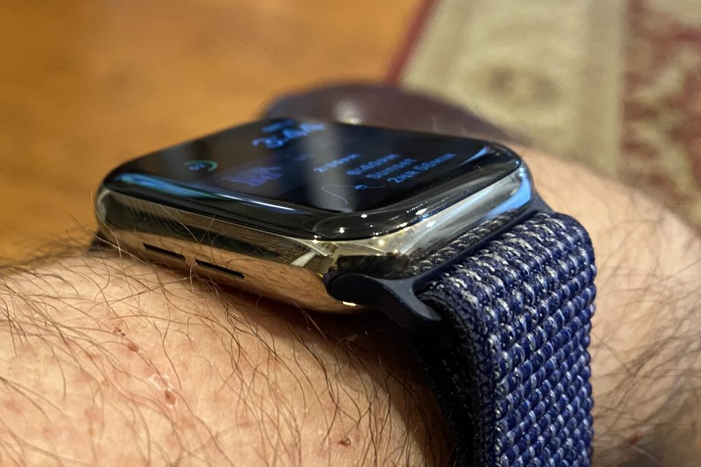 Living With the Apple Watch Series 6: It Finally Arrives ...