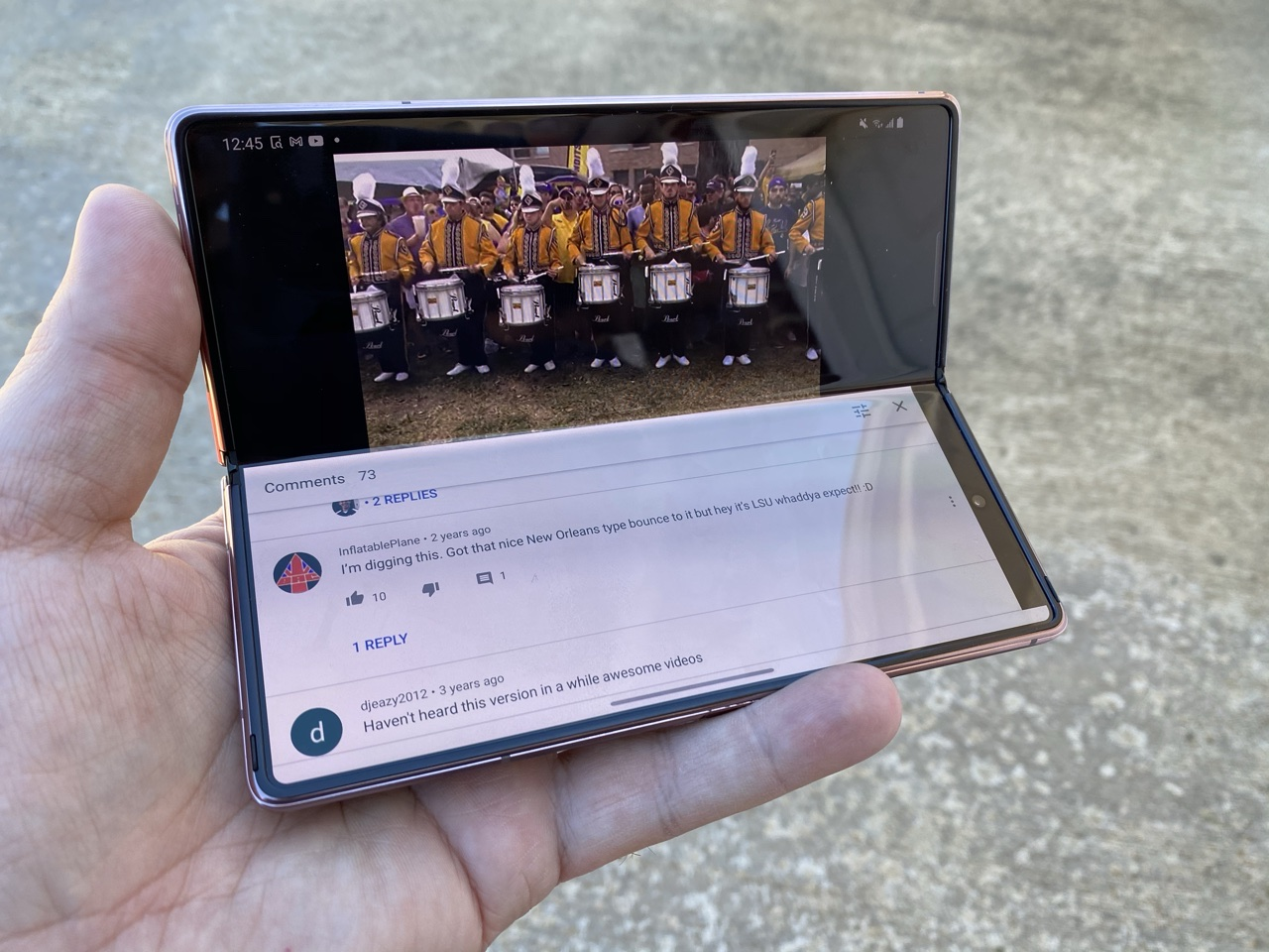Samsung Galaxy Z Fold 2 Flex Mode